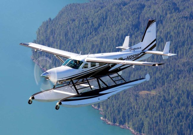 Cessna-208-Supervan-900-Amphibian-sn-208-00301-reg-N12535-in-flight-MAIN