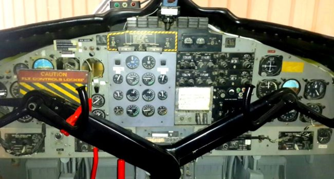deHavilland DHC-6-100 panel
